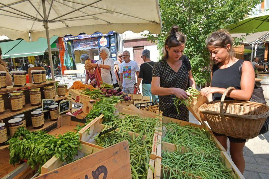 marché d'Yssingeaux _ mairie